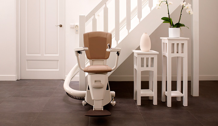 sillas el ctricas para escaleras thyssenkrupp encasa On silla electrica para escalera hogar